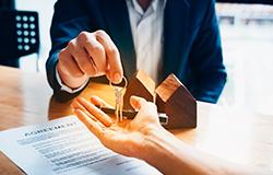 Abogados especialistas en derecho inmobiliario en Madrid y Cáceres
