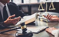 Abogados contrato derecho inmobiliario en Madrid y Cáceres